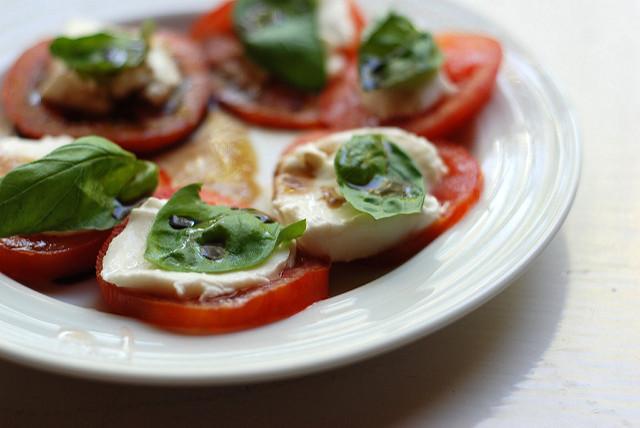 italian-food-caprese